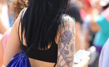 czym smarować tatuaż